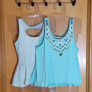 💰 Baby blue bundle! 2 for 1 adorable tops, XS/S